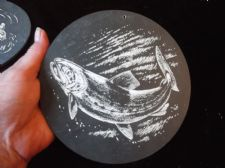 "COLLECTABLE HANDPAINTED SMALL SLATE WALL TILE GAME FISH SIGNED GP  6"" DIA"